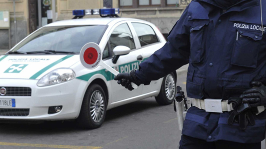 LIMBIATE – INCIDENTE : SCONTRO FRONTALE FRA DUE AUTO.  4 FERITI