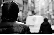 LISSONE – MARITO PEDINA LA MOGLIE CHE VA A FARE LA SPESA: DENUNCIATO