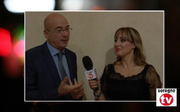 """CESANO MADERNO – Eva Musci intervista Aldo Cazzullo in occasione della  presentazione del libro """"Giuro che non avrò più fame. L Italia della  Ricostruzione"""" ... f66b5917d7e"""