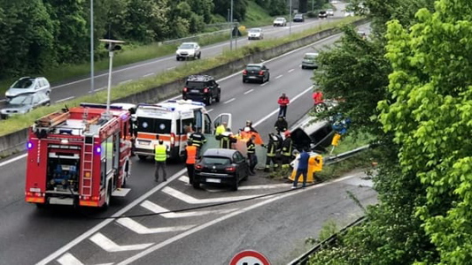MEDA – INCIDENTE MORTALE : 86ENNE PERDE IL CONTROLLO DELL'AUTO E SI RIBALTA