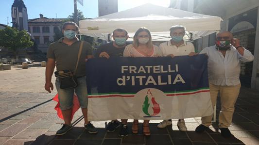 SEREGNO – FRATELLI D'ITALIA RACCOGLIE FIRME PER CHIEDERE LE DIMISSIONI DEL GOVERNO