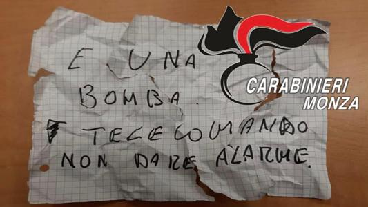 """CESANO – TENTA RAPINA A MANO ARMATA A UN  """"COMPRO ORO"""" MA L'IMPIEGATA LO FA ARRESTARE"""