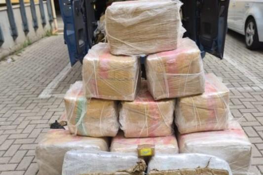 VIMERCATE-  LA POLIZIA ARRESTA 2 PERSONE E SEQUESTRA 450 KG DI DROGA